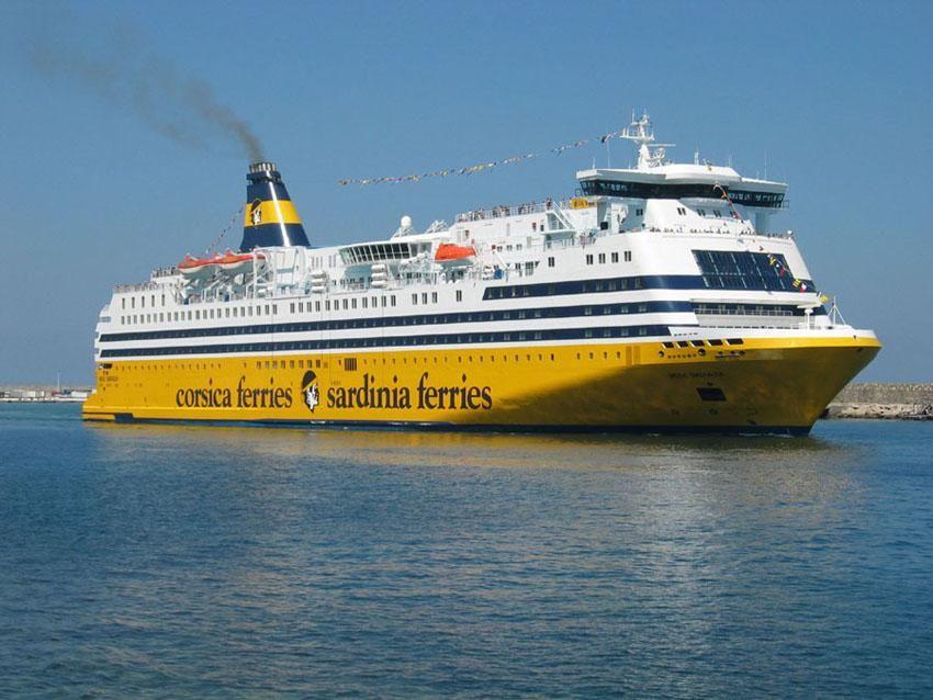 Con la nave Mega Andrea, Corsica Sardinia Elba Ferries ...