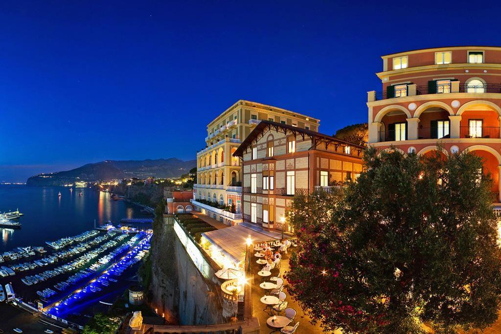 Grand hotel excelsior vittoria tra cucina ed arte con for Terrazza vittoria sorrento