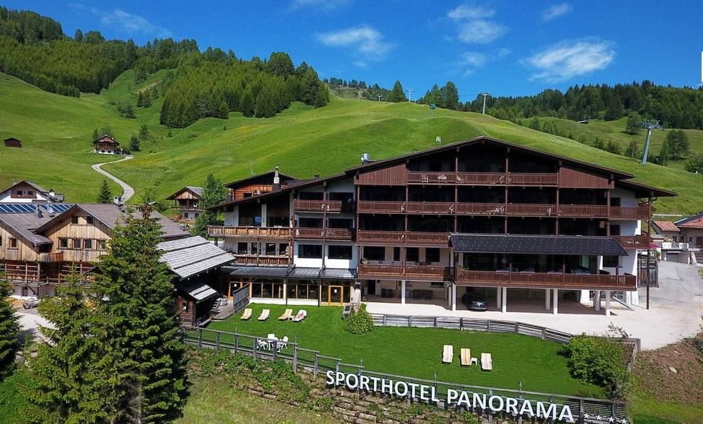 Corvara (Bz), per un soggiorno allo Sporthotel Panorama ...
